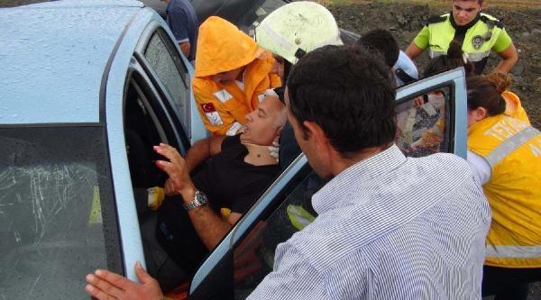 Tekirdağ'da Yağış Kaza Getirdi: 1'i Polis 4 Yaralı