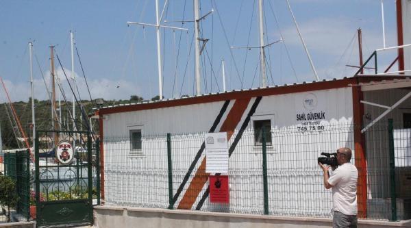 Tekne Faciasında 2 Mülteci, 12 Saat Tahta Parçasına Tutunup Hayatta Kaldı