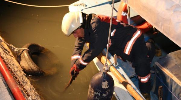 Tekneden  Ayağı Kayıp Dereye Düşen Adam Kayboldu