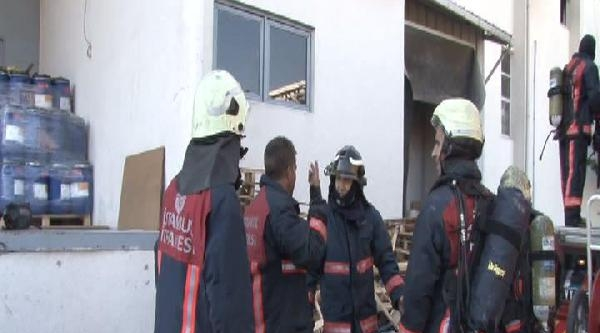 Tekstil Fabrikasındaki Yangında 4 İtfaiye Görevlisi Yaralandı