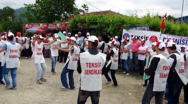 Tekstil İşçileri, İşten Çikarilan 18 Arkadaşları İçin Eylem Yaptı
