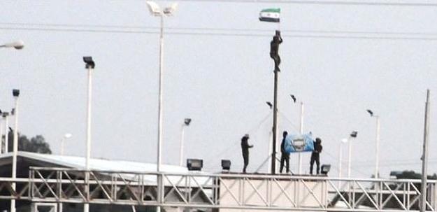 Tel Abyad'da bayrak krizi