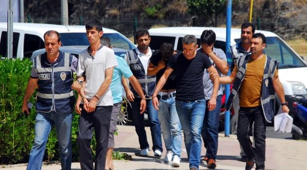 Telefonda Savcı-polis Yalanı İle Dolandıran 5 Kişi Yakalandı