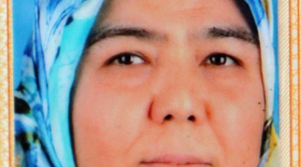 Temizlikçi Kadin Cam Silerken 4'ncü Kattan Düşerek Hayatini Kaybetti