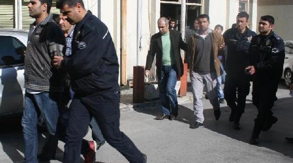Terör Örgütü Davasinda 6 Saniğa Hapis Cezasi