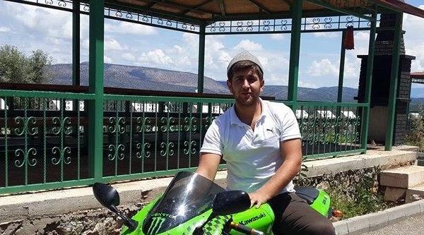 Test Sürüşü Yaptığı Motosikletle Direğe Çarpip Öldü