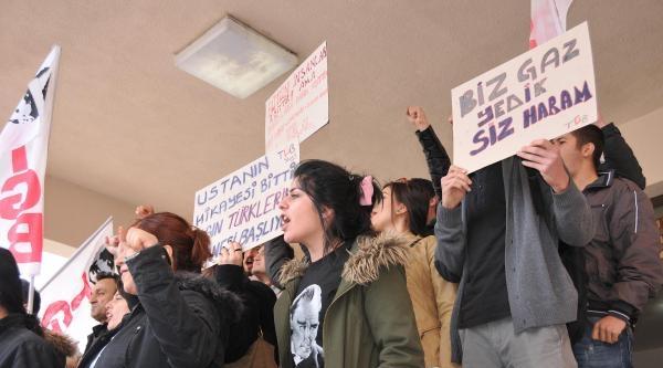 Tgb Üyeleri, Hükümeti Protesto Etti