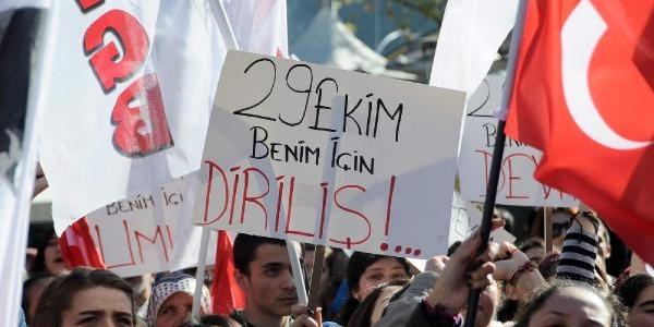 Tgb'Den Atatürk Anitina Cumhuriyet Ağaci