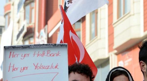 Tgb'lilerden Bankada 'yolsuzluk Marşli' Eylem
