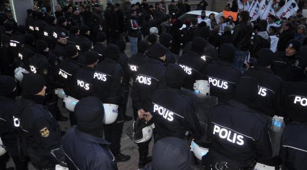 Tgb'lilerin Ak Parti'ye Yürüyüşüne Polis Engeli
