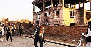 ABD Afgan askerlerini vurdu: 14 ölü