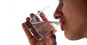 Su tüketimine dikkat
