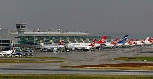 Atatürk Havalimanı'nda panik! Patlama sesi...