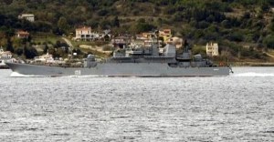 2 Rus savaş gemisi boğazdan geçti