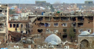 Teröristlerin sıkıştırıldığı bölgeye top atışı yapıldı