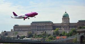 Budapeşte'te pilotlardan 1 Mayıs gösterisi
