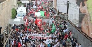 İstanbul'da binlerce kişi Mavi Marmara saldırısını kınadı