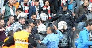 Sivas'ta tribünler karıştı!