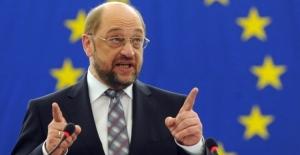 AP Başkanı Schulz'dan İngiltere sitemi