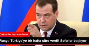 Medvedev, Türkiye'ye Charter Seferlerinin Başlaması İçin Bir Hafta Verdi