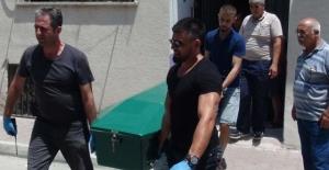 Mersin'de koca dehşeti! Eşini 6 yerinden bıçaklayıp atletle boğdu