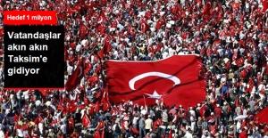 Vatandaşlar 'Cumhuriyet ve Demokrasi Mitingi'ne Akın Ediyor