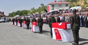 Bitlis'te şehitler için tören düzenlendi