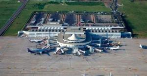 Havalimanında korkutan yangın, uçuşlar durdu