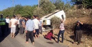 Tekstil işçilerini taşıyan minibüs takla attı: 14 yaralı