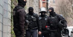 Belçika'da silahlı saldırgan paniği