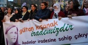 Beyoğlu'nda kadınlardan Kışanak ve Anlı protestosu
