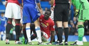 Manchester United'a Bailly'den kötü haber