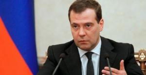 Rusya başbakanının olduğu toplantıda patlama!