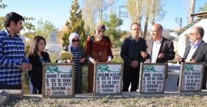 Van depreminde hayatını kaybedenler anıldı