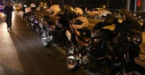 Yunus polisler kaza yaptı: 2 kadın polis yaralı