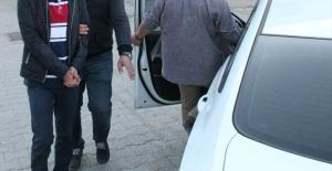 İzmir'de FETÖ operasyonu: 15 gözaltı