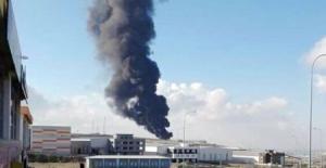 Kocaeli'de fabrika yangını, dumanlar gökyüzünü kapladı