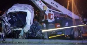Tokat'ta yolcu otobüsü ile kamyonet çarpıştı: 1 ölü, 6 yaralı
