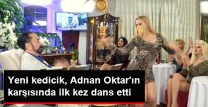 Adnan Oktar'ın Karşısında İlk kez Dans Eden Kedicik Yürek Hoplattı