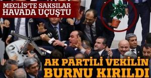 AK Partili Fatih Şahin'in burnu kırıldı