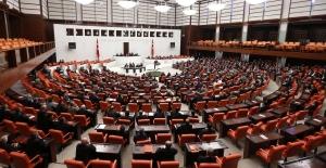 Anayasa görüşmelerinin 2. turunda ilk madde 345 oyla kabul edildi