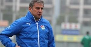 Bursaspor'da Hamza Hamzaoğlu ile yollar ayrıldı