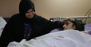 Halep'te bombalanan evinde ailesinin büyük kısmını kaybetti. Rezzan'ın Türkiye'de yaraları sarılsa da acısı dinmiyor
