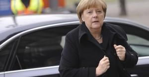 Merkel'den Trump'a sert eleştiri!