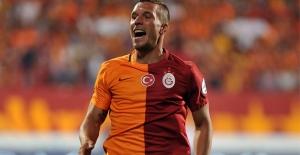 Podolski'den Fenerbahçe'ye 'Adana Kebab' göndermesi