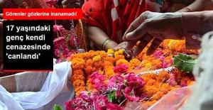 17 Yaşında Bir Genç Kendi Cenazesinde 'Canlandı'