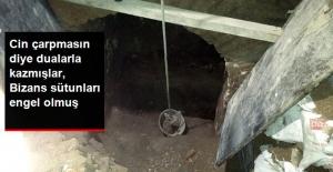 Cin Duasıyla Define avı! Sultanahmet Camii'ne Tünel Kazanlara Bizans Sütunu Engel Olmuş