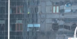 İstanbul'da kar yağışı etkisini gösterdi
