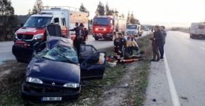 İzmir'de otomobil takla attı: 6 yaralı