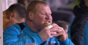Arsenal maçında turta yiyen dev kaleci, 20 kilo verdi